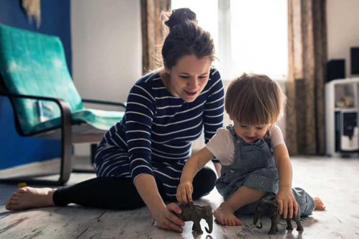 Kerjasama Dengan Pengasuh Anak